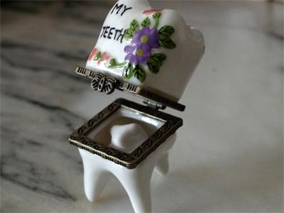 cosas que nos gustan (I): cajita para guardar dientes.
